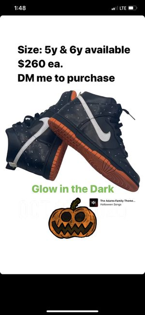 Very Rare Nike SB Dunk Halloween Bats NEW for Sale in Temecula, CA