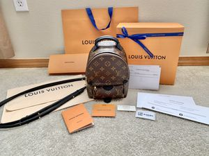 Louis Vuitton Palm Springs Mini NM for Sale in Everett, WA