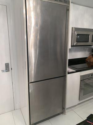 """Liebherr C1651 30"""" Built-in Bottom-Freezer Refrigerator for Sale in Miami, FL"""