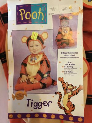 Tigger and Pooh TWIN infant Halloween costumes for Sale in Glendale Heights, IL