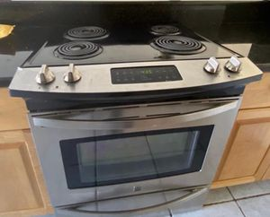 Range/stove/oven Kenmore for Sale in Miami, FL
