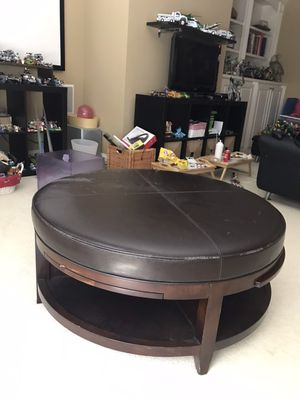 Coffee table for Sale in Cumming, GA