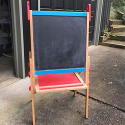 Mellissa And Doug Easel for Sale in Oregon City,  OR