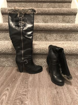 Black knee-high boot w/fur for Sale in Springfield, VA