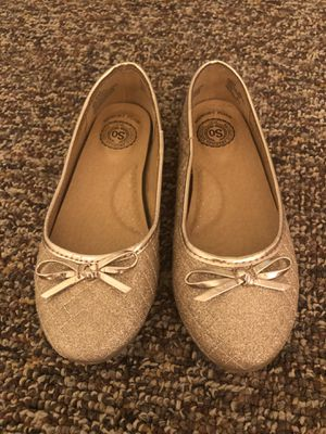 Girls gold sparkly flats Size 2 for Sale in Virginia Beach, VA