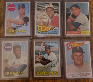 Baseball cards, 6 card vintage lot, hank aaron and more for Sale in San Diego, CA