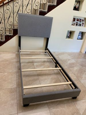 Modern twin size bed frame like new great condition deliver for extra gas money for Sale in Mercedes, TX