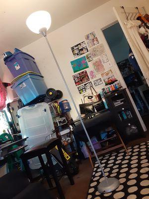 Floor lamp for Sale in Logan Township, NJ