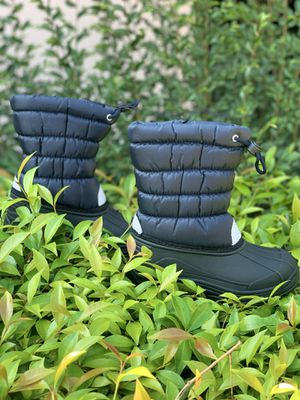 Snow boots for kids sizes 9,10,11,12,13,1,2,3,4 $25 each pair for Sale in Bell Gardens, CA