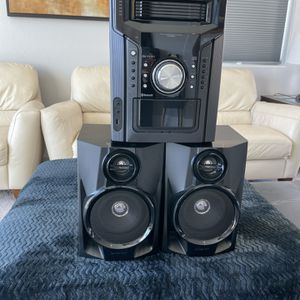 sound system with 2 speakers for Sale in Las Vegas, NV