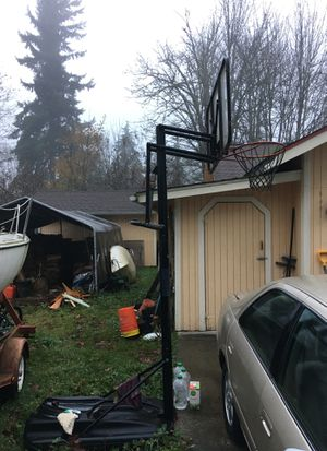 Basketball hoop. Make an offer and it's yours. for Sale in Kent, WA