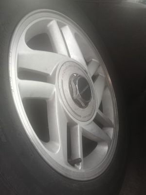 16 inch rims with great condition tires for Sale in Puyallup, WA