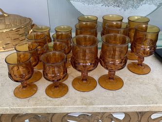 Vintage 16 Pices Glass Excelente Condition for Sale in Laguna Niguel,  CA