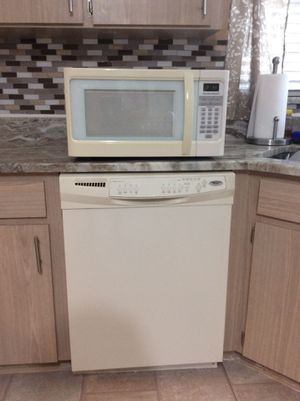 Kitchen appliances for sale, all in working order. First $500.00 takes them all. for Sale in Lakeland, FL
