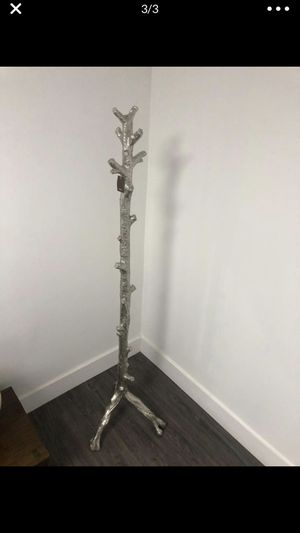 Z GALLERIE TWIG COAT RACK ANT. SILVER. 79.3cm x 49.3cm x 54.0cm for Sale in Miami Gardens, FL