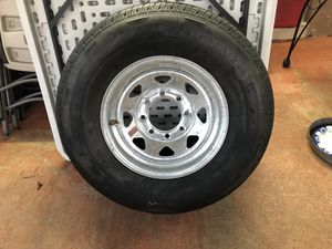 Brand new 8 lug tire for Sale in Miami Gardens, FL