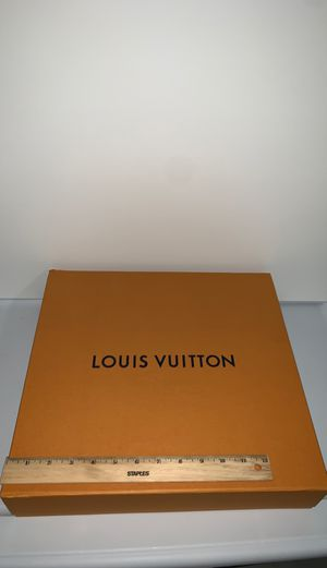 Large Louis Vuitton gift box for Sale in Haledon, NJ