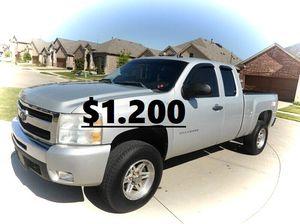 ✅✅I'm selling✅ 2011 Chevrolet Silverado !4WDWheelss!💲12OO for Sale in Bridgeport, CT