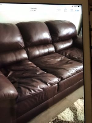 Leather pull out couch for Sale in Phoenix, AZ
