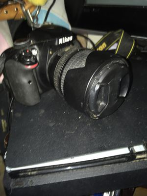 Nikon D3300 with 18-105 lense for Sale in San Francisco, CA