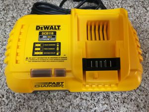 DeWalt Fast charger ( DCB118 ) for Sale in Houston, TX