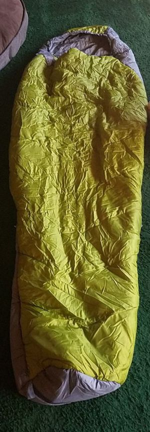 KELTY SLEEPING BAG rated for 25° for Sale in San Diego, CA