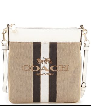 Brand new with tag attached *Coach Colorblocked messenger bag* for Sale in Queens, NY