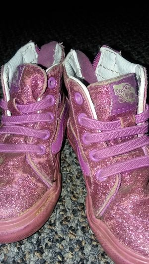 Vans baby girl size 5 for Sale in Lakewood, WA