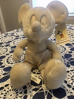 """White Mickey """" Walt Disney World"""" with tag attached for Sale in Warwick, RI"""