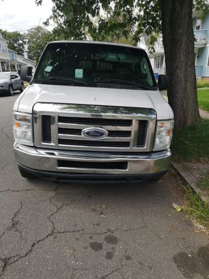 2009 Passenger or work ford E-350 van for Sale in New Haven, CT