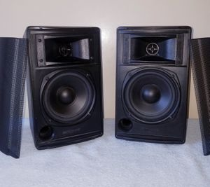 Pair of Klipsch Synergy Series KSB 1.1 Bookshelf Speakers in Excellent condition for Sale in Alhambra, CA