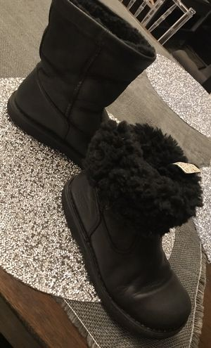 Ugg kids boots, fully lined fur for Sale in Gaithersburg, MD