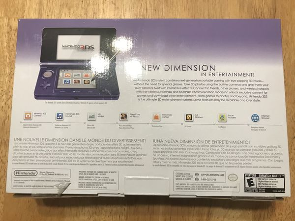 Purple Nintendo 3ds original 100% complete and comes with Luigi's mansion and a couple other random games.