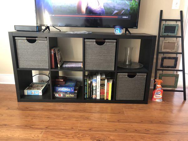 Bookshelf/shelving unit/tv stand