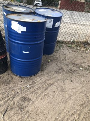 Drums and containers for Sale in Jurupa Valley, CA