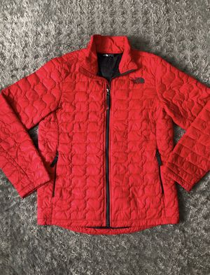 The North Face Boys Thermoball Full ZIP Jacket paid $125 size Large 14/16 Like new! Worn once. Water-resistant fabric sheds light dirt & precipitatio for Sale in Washington, DC