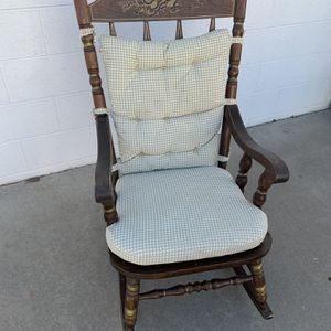 Wooden Rocking Chair for Sale in Aurora, CO