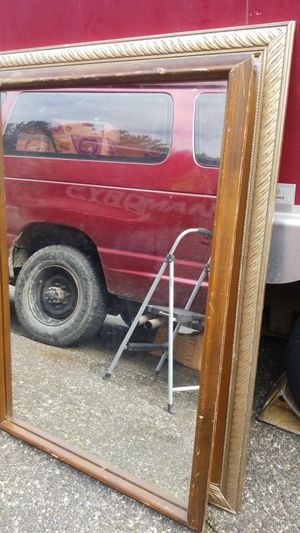 "47"" x 32 "" dresser mirror for Sale in Kent, WA"