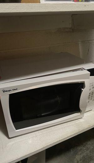 Magic Chef Microwave for Sale in Virginia Beach, VA