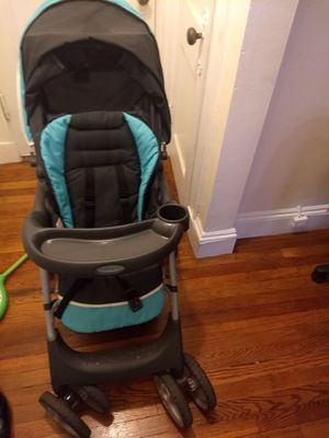 Graco stroller,car seat with base for Sale in Malden, MA