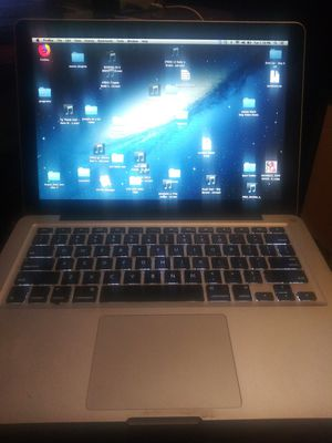 Apple laptop MacBook Pro 13inch 2010, 2.66 ghz intel Core 2 Duo, 4gb , 500gb for Sale in Racine, WI