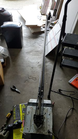 Used Craftsman 1/2hp chain drive garage door opener for Sale in Bellevue, WA