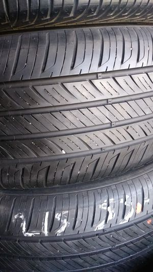 Hannkook tires good condition 215-55-16 for Sale in Bell Gardens, CA
