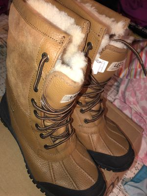 Uggs size 9.5 women for Sale in Bronx, NY