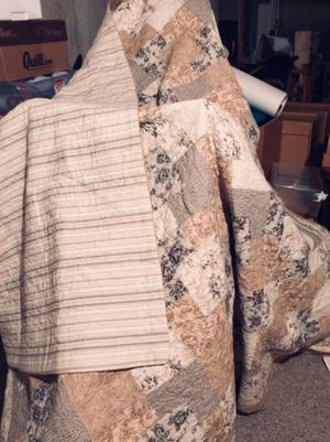Gorgeous Vintage Double Sided Quilt Size: 90x90 for Sale in Algonquin, IL