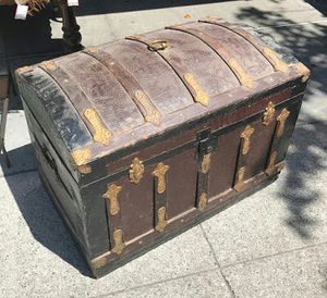 """#30356 Tin-Lined 20"""" x 24"""" Tall x 34"""" Wide Treasure Chest for Sale in Oakland, CA"""