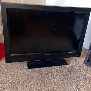 32 Inch Vizio Tv Need Gone Today $40 for Sale in Mount Rainier, MD