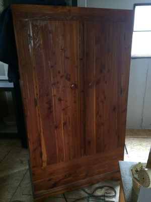 Wooden chest reduced to $45 this week only for Sale in Fairlawn, VA