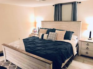Farmhouse bedroom set king for Sale in Midway, KY