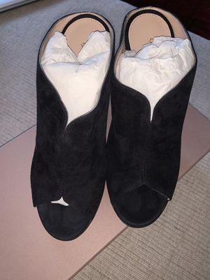 Brand new Gianvito Rossi suede heels for Sale in Santa Monica, CA